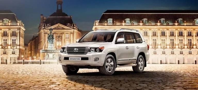 Toyota представляет эксклюзивную серию Land Cruiser 200 Brownstone