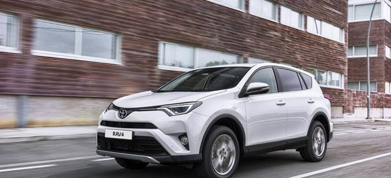 Toyota обновила линейку комплектаций RAV4
